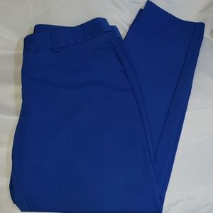 Express Mid Rise Crop Editor Pant Size 6R. Blue